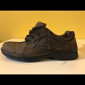Sketchers Leather Shoe